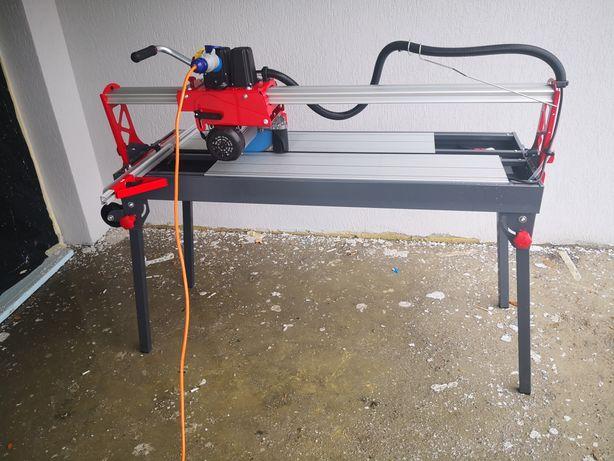 Masina electrica de taiat gresie-faianta - Toolbox