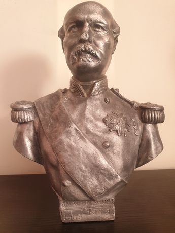 Bust vechi din zinc, intruchipandu-l pe Patrice de Mac Mahon