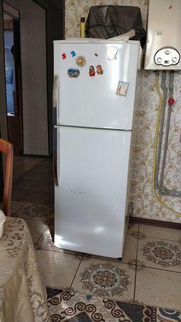 Продается Холодильник в очень хорошем состояний