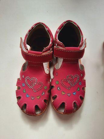 Продам сандалии 30 размер