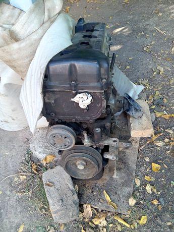 Продам двигатель на Ниссан Санни 2001г
