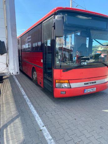 Autobuz 50 locuri