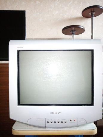 Продам телевизор Sony Trinitron с пультом, диаг.41см.