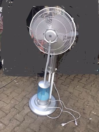 Ventilator cu pulverizare apa rezervor