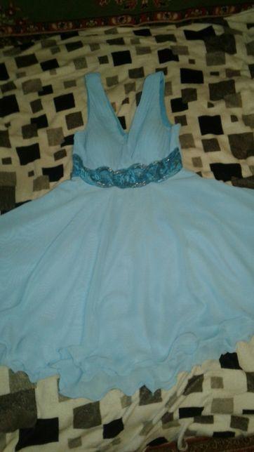 Красивое,пышное,нежный цвет платья