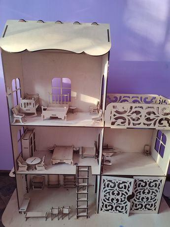 Деревянный игрушечный домик продам