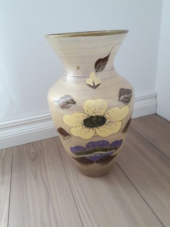 Vază pentru flori, model deosebit