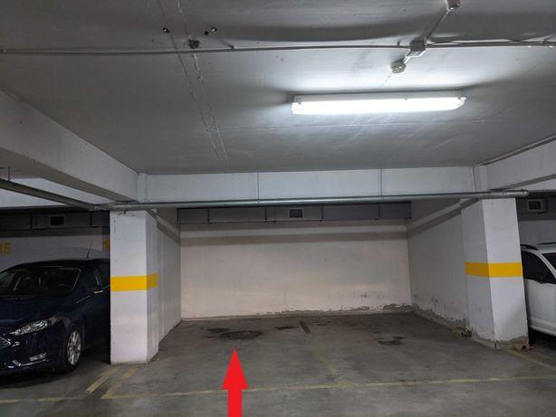 Inchiriez loc parcare subteran Baneasa - Aviatiei