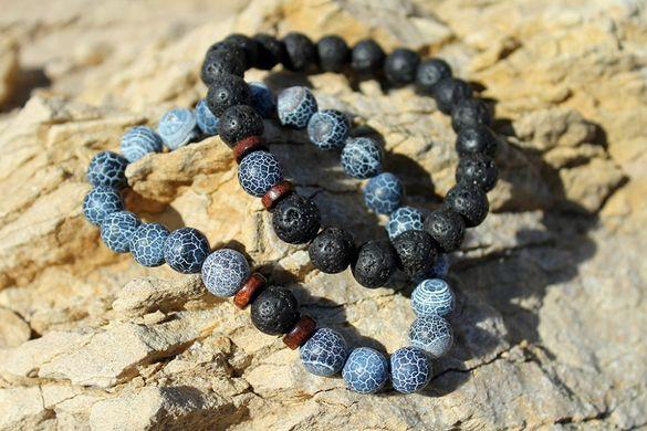 Ръчно изработен комплект гривни от полускъпоценни камъни.