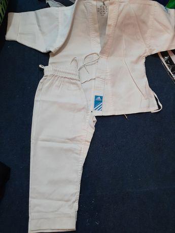 Vand costum karate