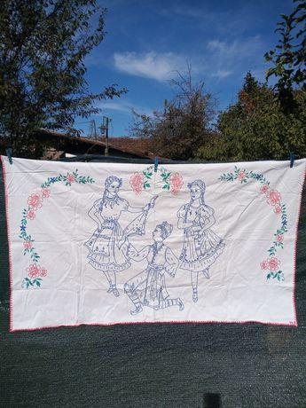 Ковьор за стена ,калъвка за възглавница , Кенарени кърпи и огледало