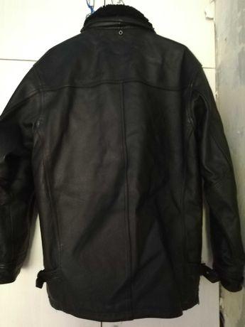 Куртка кожанная состояние отл