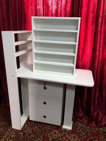 Новый  комплект  маникюрного стола