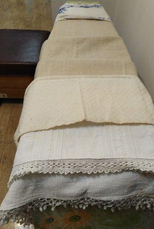 Автентични битови кърпи, покривка, карета с дантела