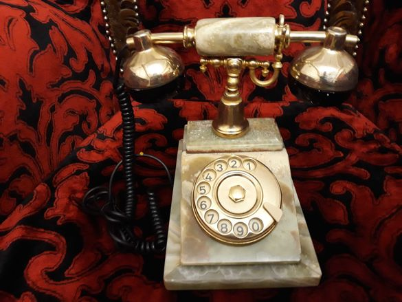 Старинен италиански телефон