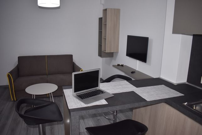 Inchiriez apartament in regim hotelier 2 camere in City Residence
