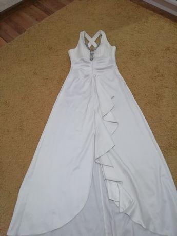 Срочно продам вечерние белое платье