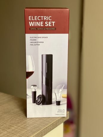 Отварачка за вино 4 в 1 (ЕЛЕКТРИЧЕСКИ ТИРБУШОН)