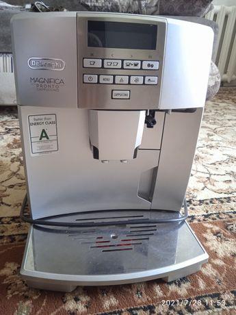 Кофе машина Делонхи