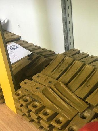 Dinti cupa pentru buldoexcavator Komatsu, JCB,Terex, New Holland