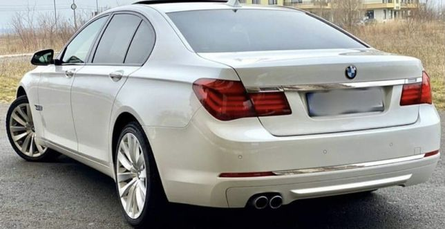 Vand BMW 750 xd sau schimb