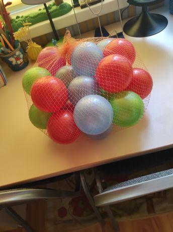 Новые пластмассовые мячики