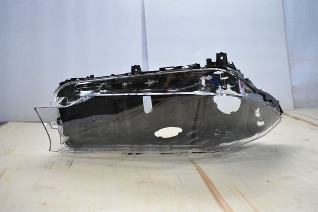 Стекло фары LH BMW 5-series (G30) 16-