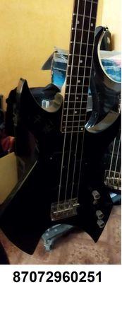 Продам винтажную бас гитару Starsun