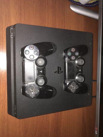 Playstation 4 вместе с дисками