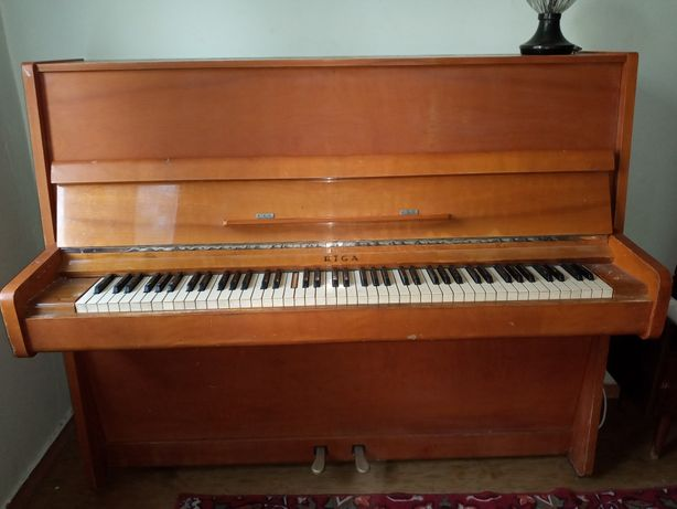 "Пианино (фортепиано) ""Рига"" (Riga)"