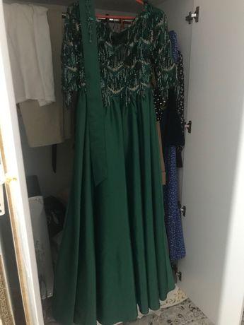 Женские платья, одежда