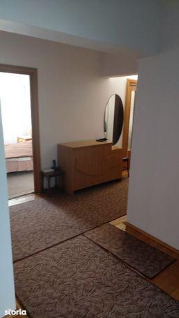 Ultracentral-Bloc pe cadre-Apartament 4 camere decomandat,pret 88500E