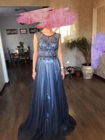 Продается платье вечернее (55000тг)