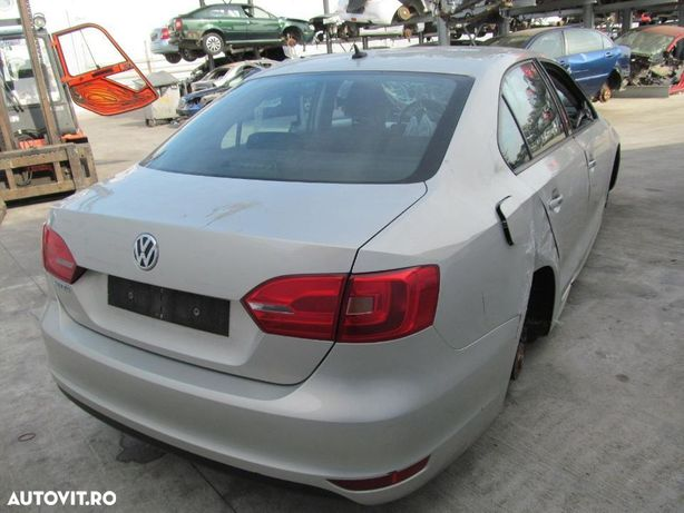 Dezmenbrez VW Jetta 1.2 tsi Dezmenbrez VW Jetta din anul 2011