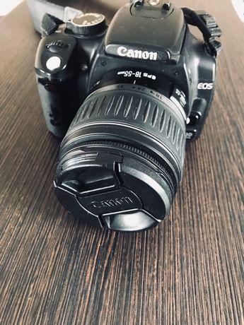 Професионален фото апарат