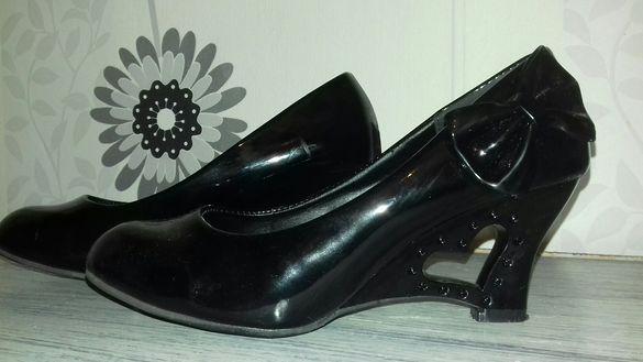 Дамски обувки 37 номер