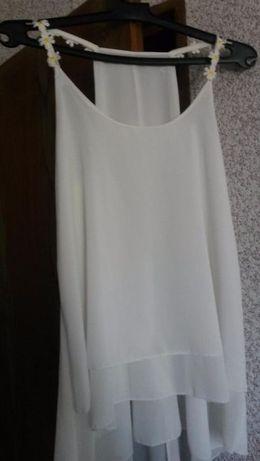 Нежно бял потник и нежна туника обличани само по веднъж.Размер S-M