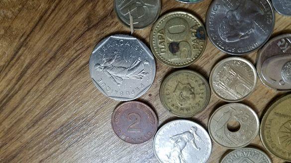 Колекция от чуждестранни ретро монети