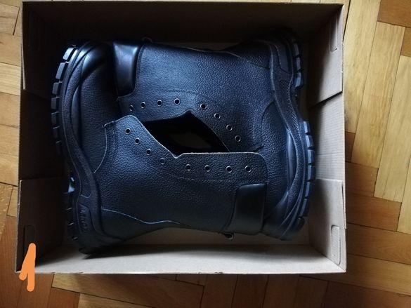 Нови работни обувки
