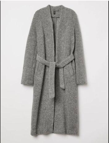 Продам пальто 42 размер