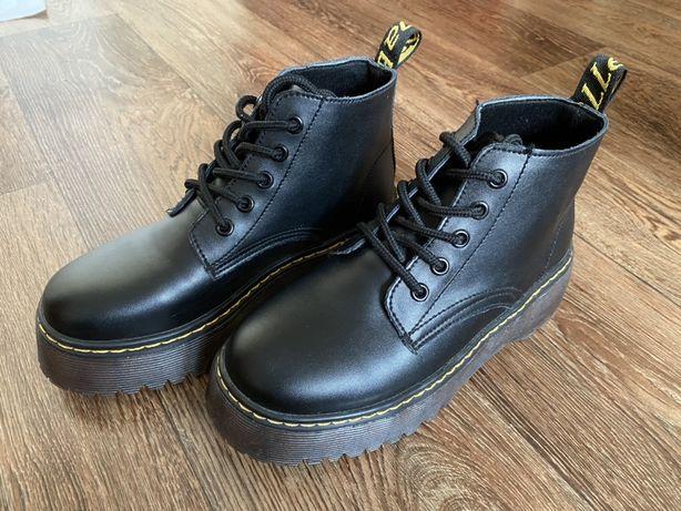 Осенние ботинки в стиле милитари