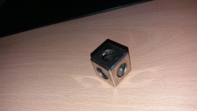 Cub metalic