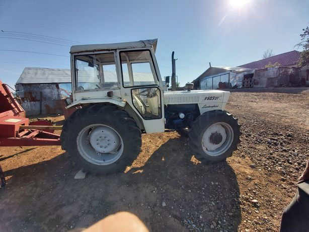 Vând tractor Lamborgini