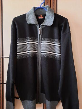 Мужской пуловер на молнии