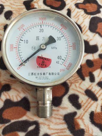 Манометр 0-400 атмосфер.