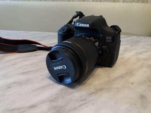 Фотоаппарт Canon 750D