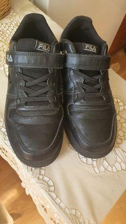 Кроссовки осень. Кожаные, чёрные. FILA
