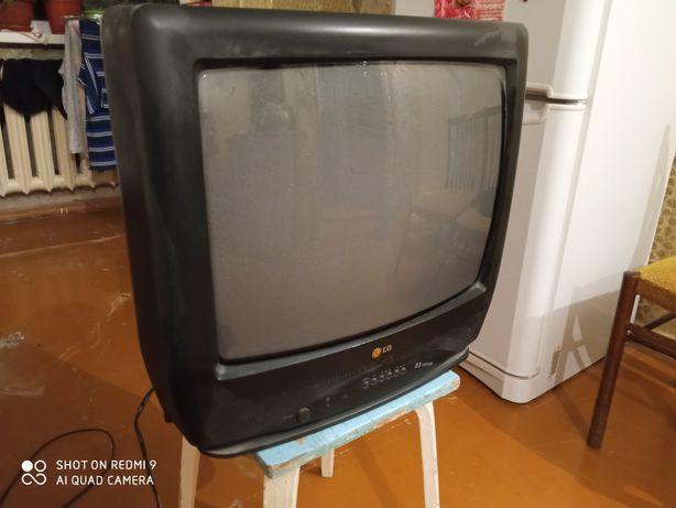 Телевизор в отличном состоянии
