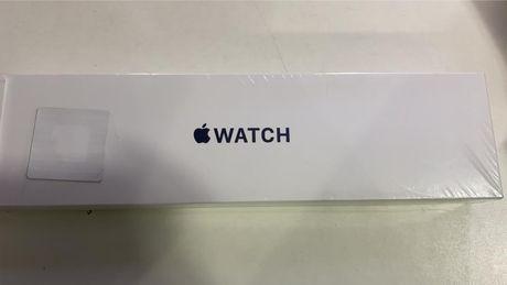 Apple Watch SE 44 mm Gold Aluminum Pink Sand Sport Band