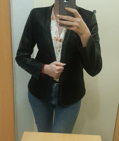 Дамско сако gina tricot